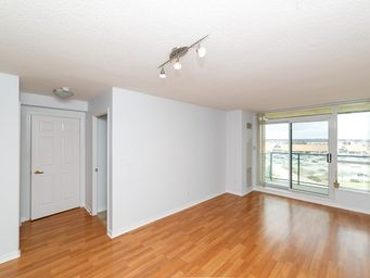 Home For Rent in  4889 Kimbermount Avenue Unit 810, Mississauga, ON