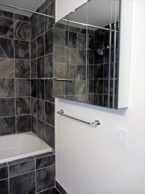 712 - Bathroom