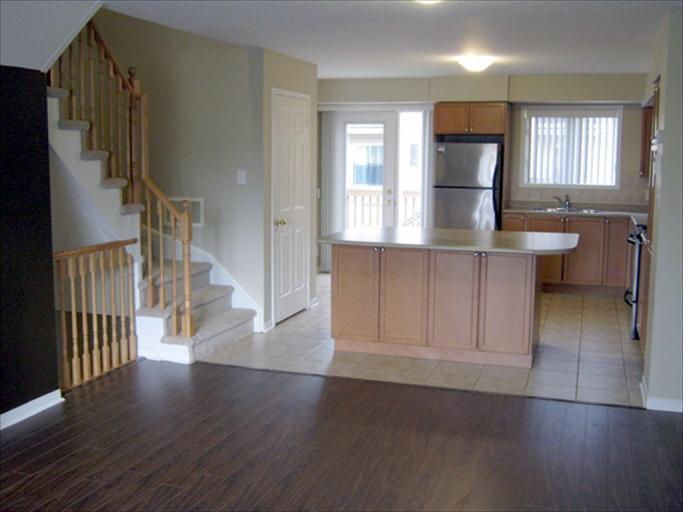 76 - Living Room/Kitchen