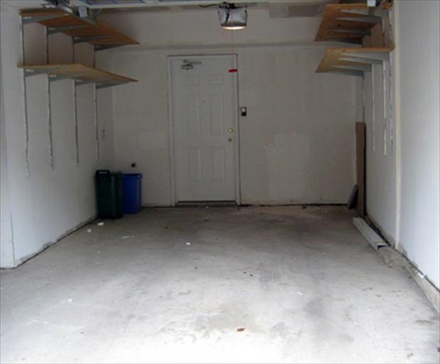 76 - Garage