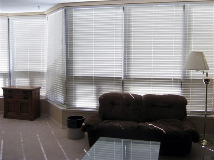 606 - Living Room