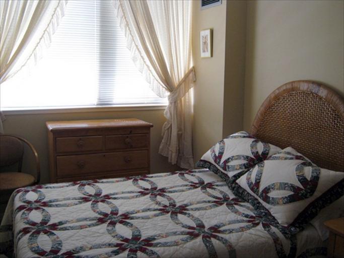 606 - Bedroom
