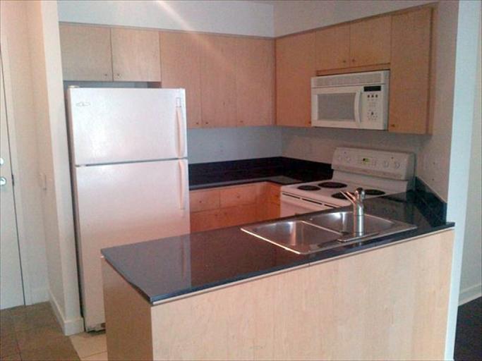 708 - Kitchen