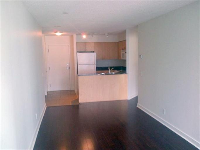 708 - Living Room/Kitchen