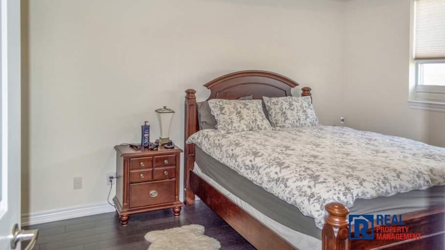 Master Bedroom with en-suite and walk in closet