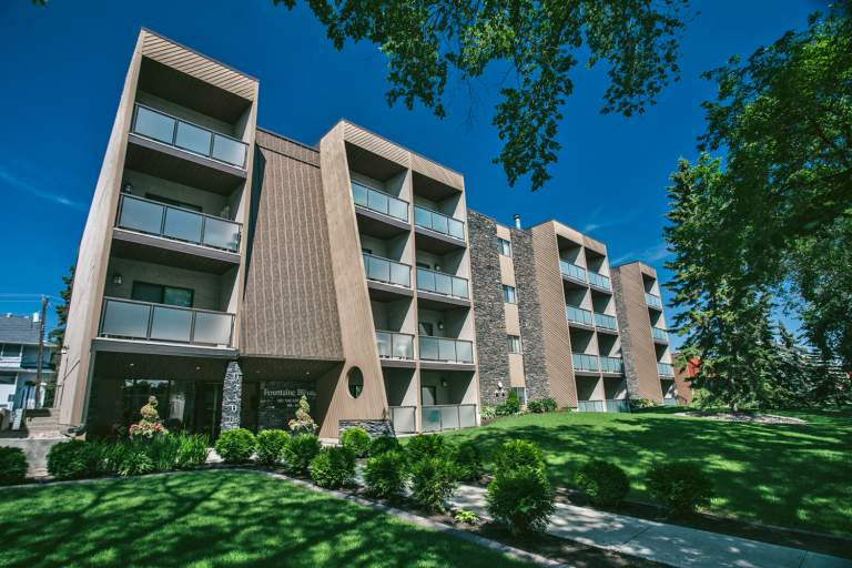 Fountaine Bleue Apartments