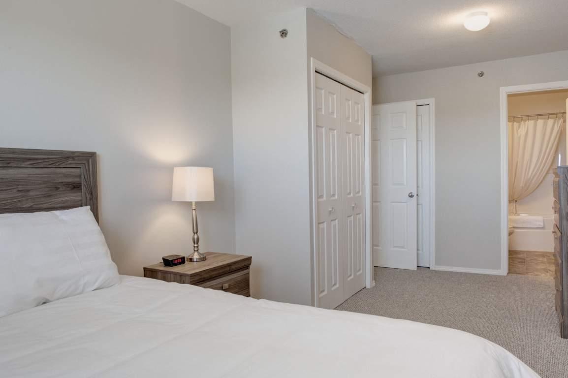 Lakewood Manor Apartments