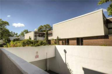 Home For Rent in  390 - 400 Woodsworth Road, North York, ON