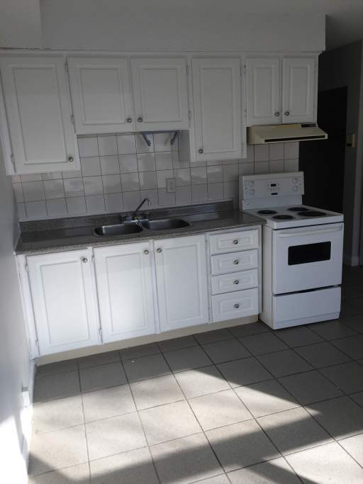 Signet group inc 10 wilmington avenue for 1 bedroom apartment near downsview station