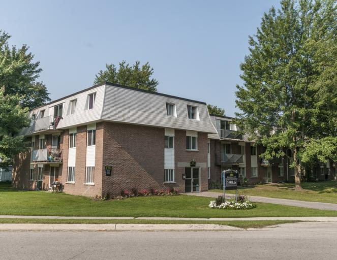 689 Barber Avenue North