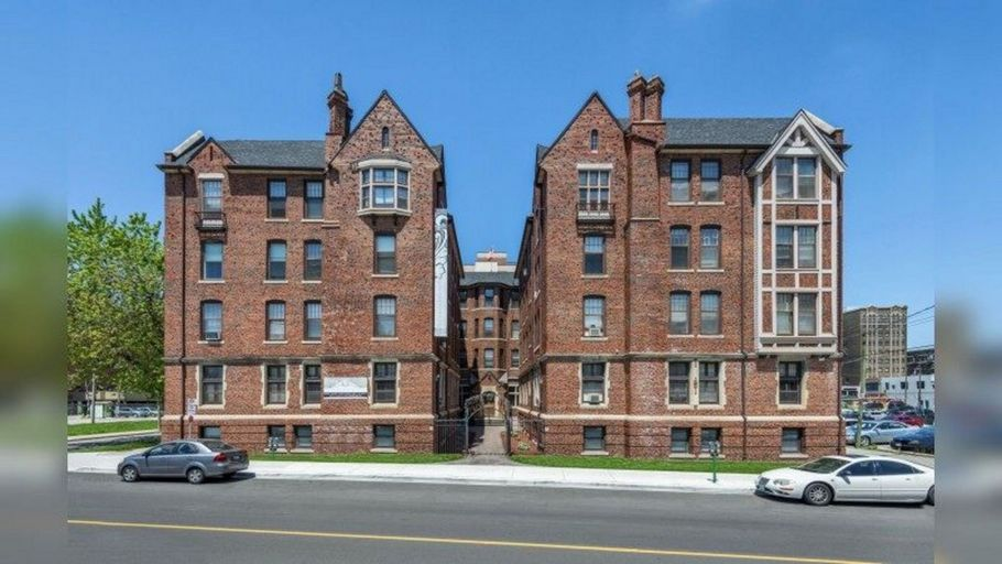280 Park Street West-Royal Windsor Apartments
