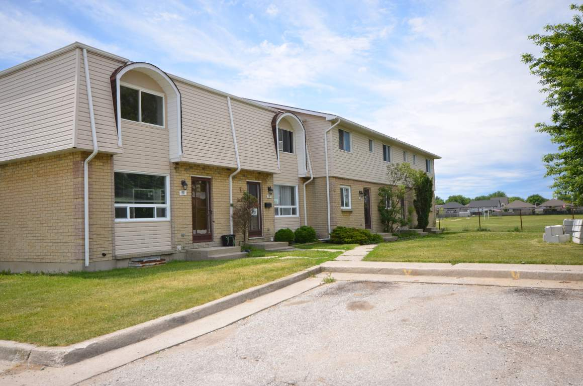 Corunna Ontario Townhouse For Rent