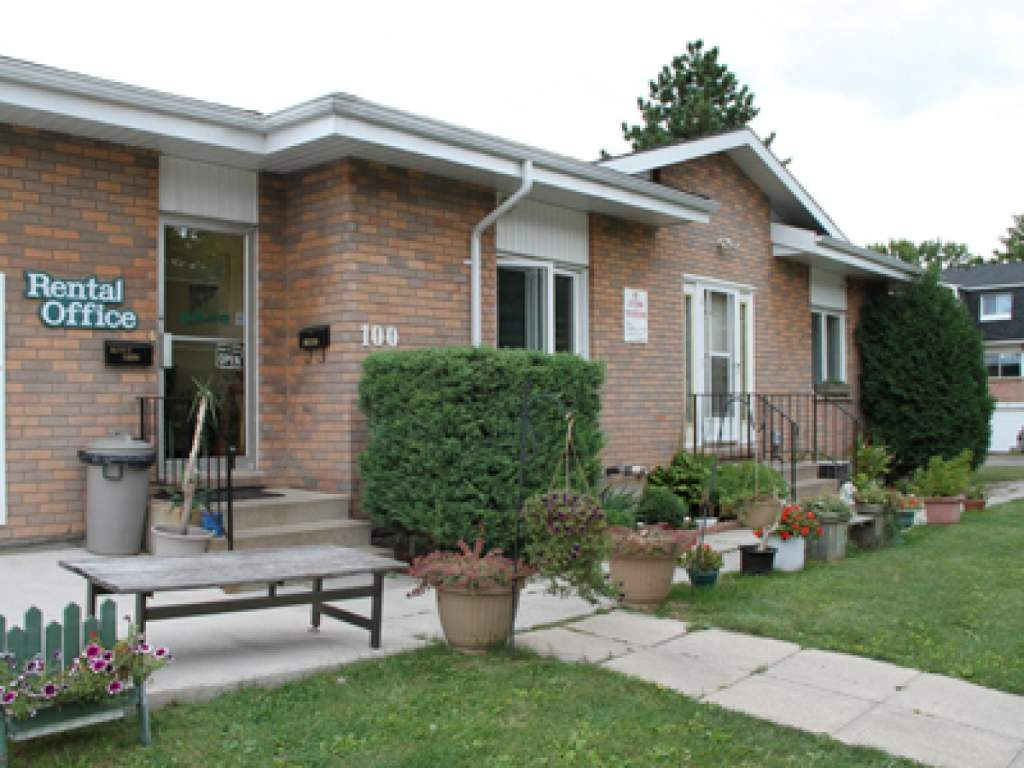 Welland Townhouse for rent, click for more details...