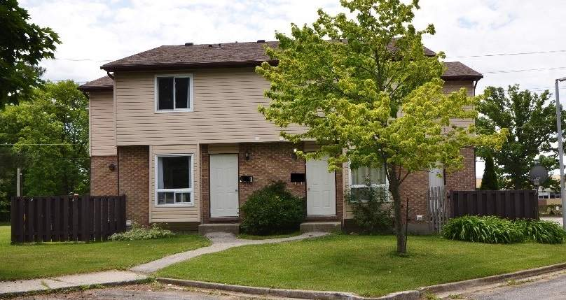 Sarnia Townhouse for rent, click for more details...