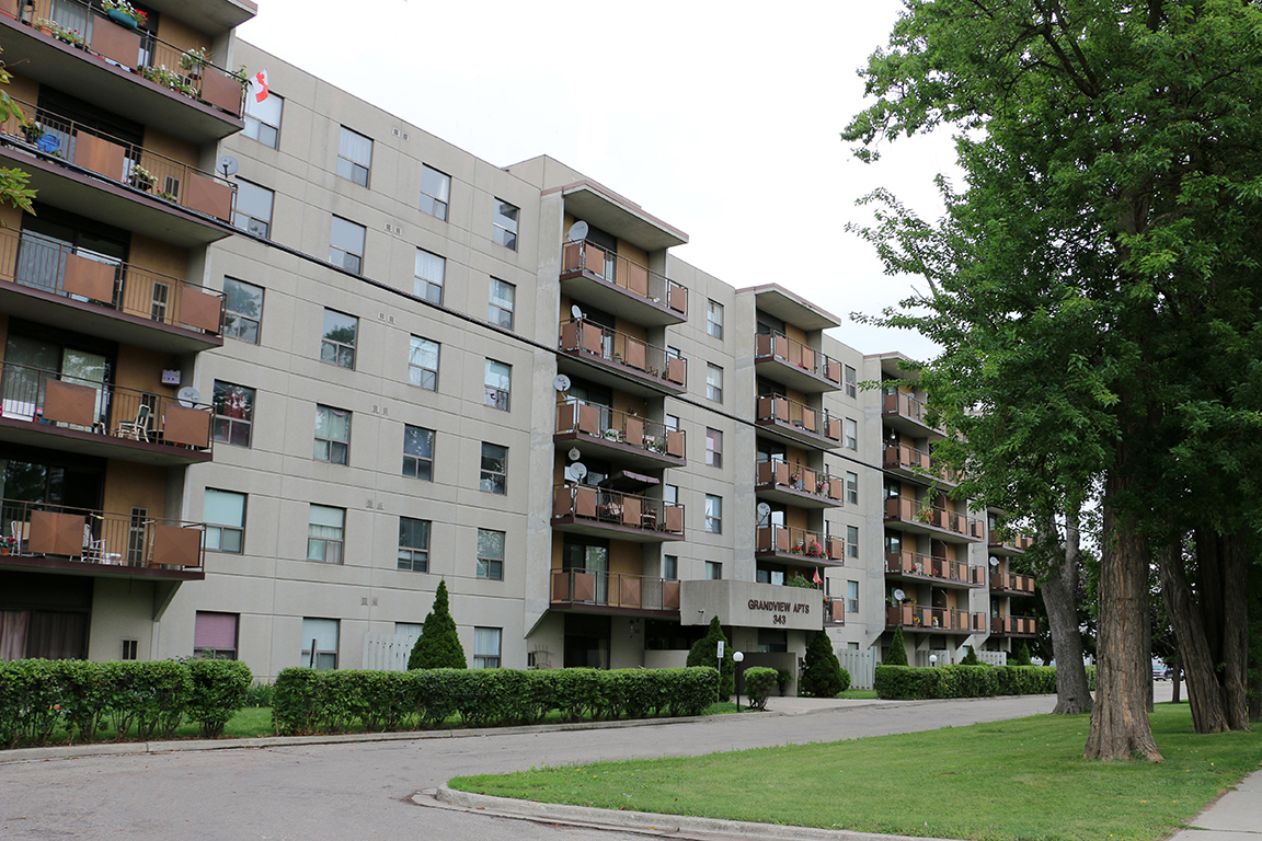 343 Grand Ave E Chatham On Apartments For Rent Listing Id 397055