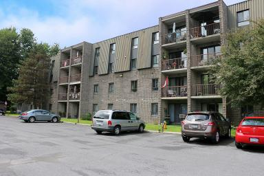 Apartment Building For Rent in  625 & 645 Glengarry Blvd., Cornwall, ON