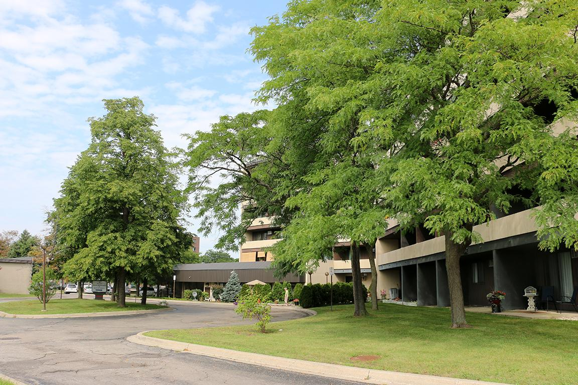 Tecumseh Apartment for rent, click for more details...