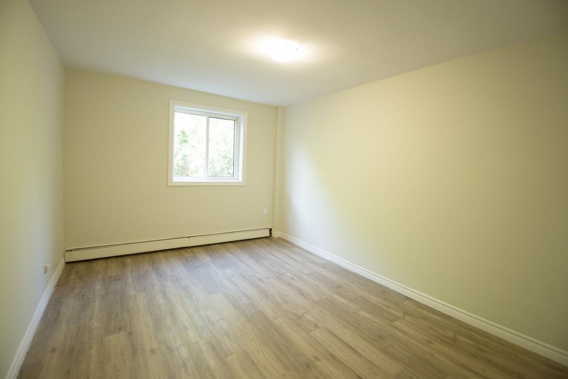 Strathroy Apartment