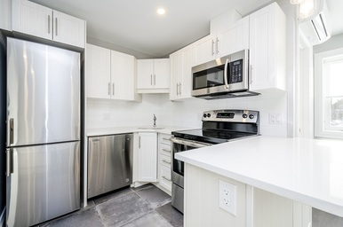 Apartment Building For Rent in  47 St Andrew St, Ottawa, ON
