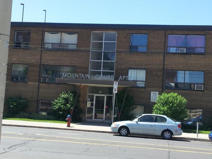 Mountain Court Apartments