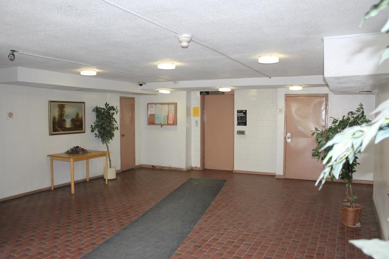 Nelson Manor