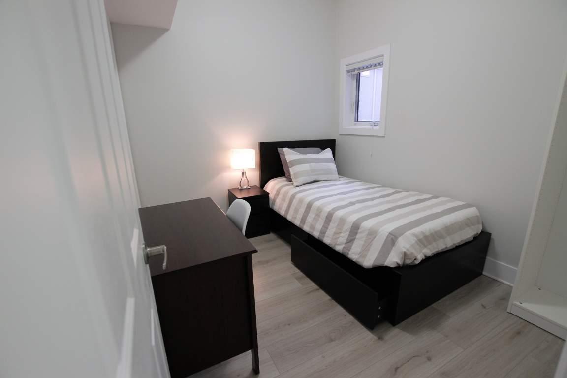 Ottawa East 7 bedroom Apartment
