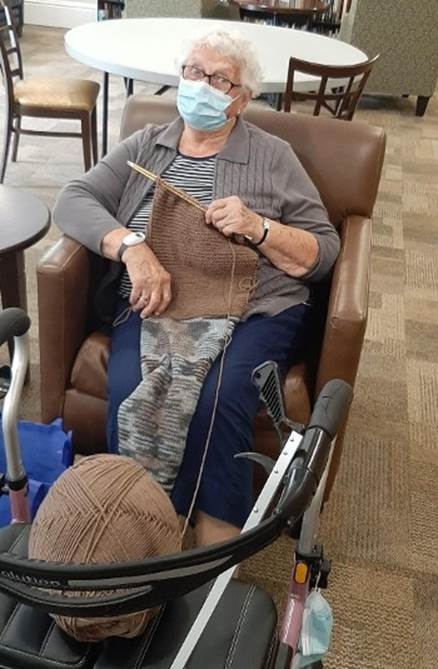 Knit and Chatter Group Resumes at LMV