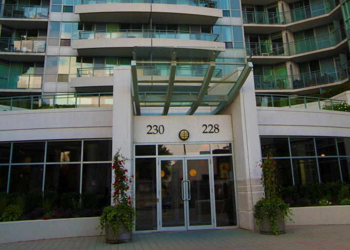 228 Queens Quay West