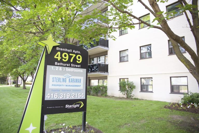 4979 Bathurst Street
