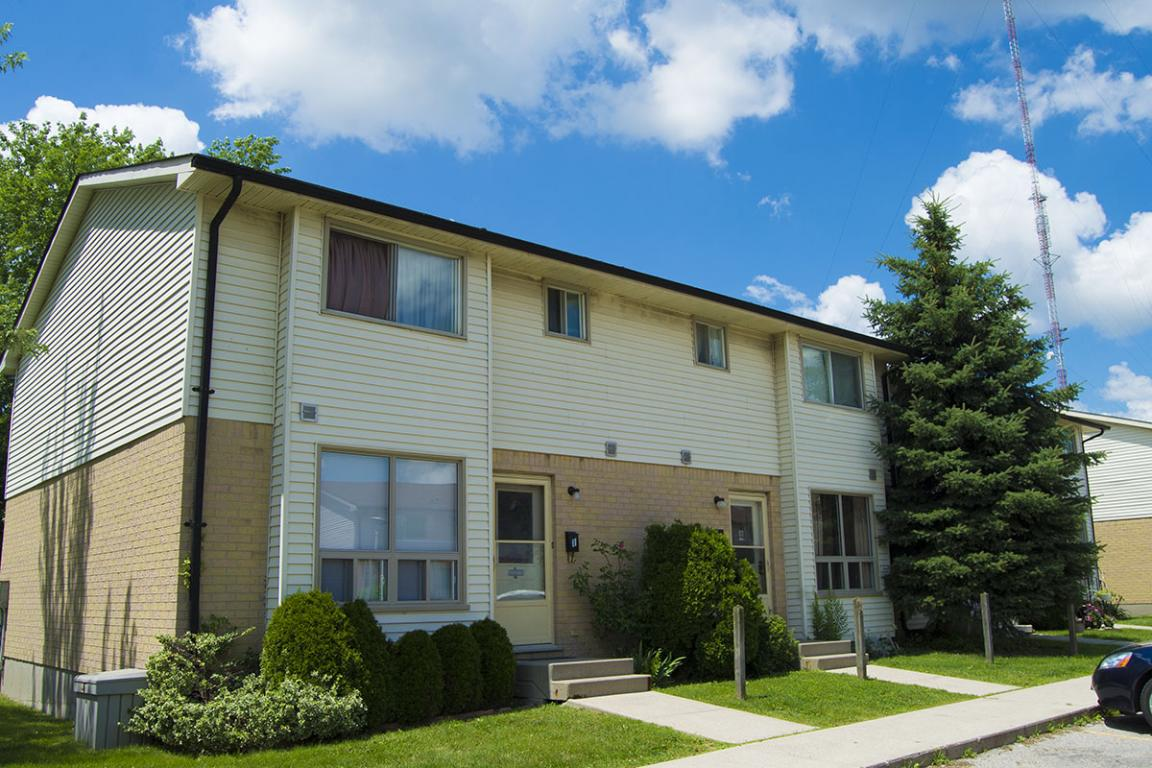 Belmont Drive London Townhouses For Rent Sterling Karamar