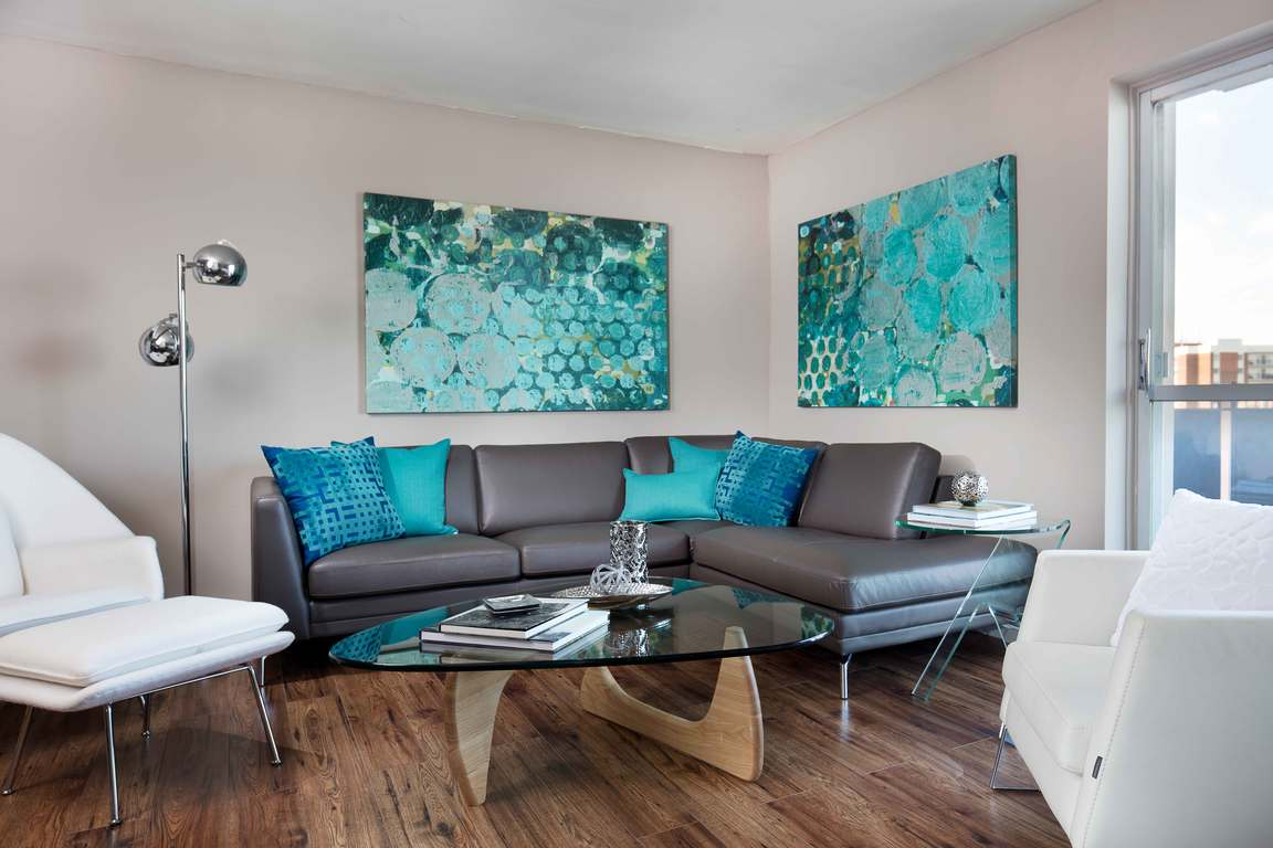 Windsor Apartment for rent, click for more details...