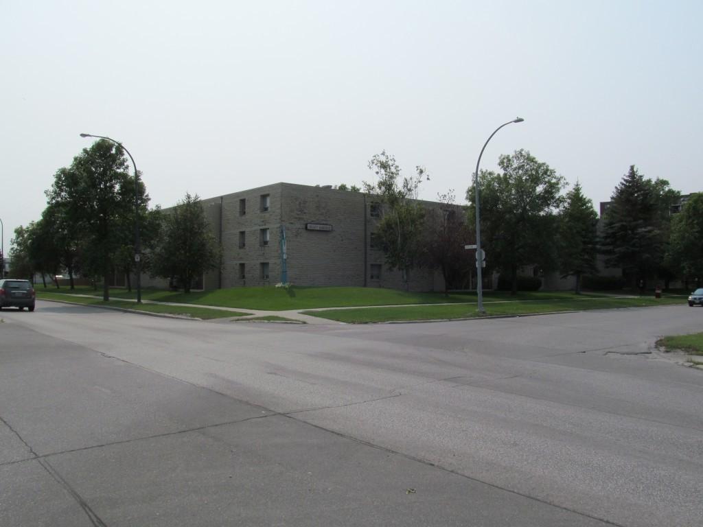 Winnipeg North West Apartment