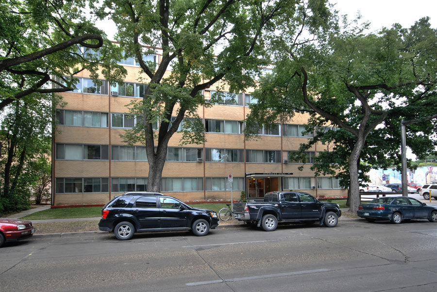 Winnipeg Central 1 bedroom Apartment