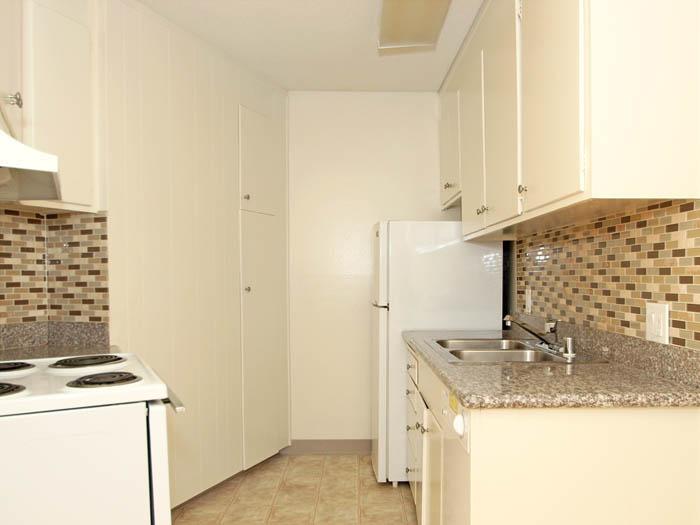 415-425 S Bernardo Avenue