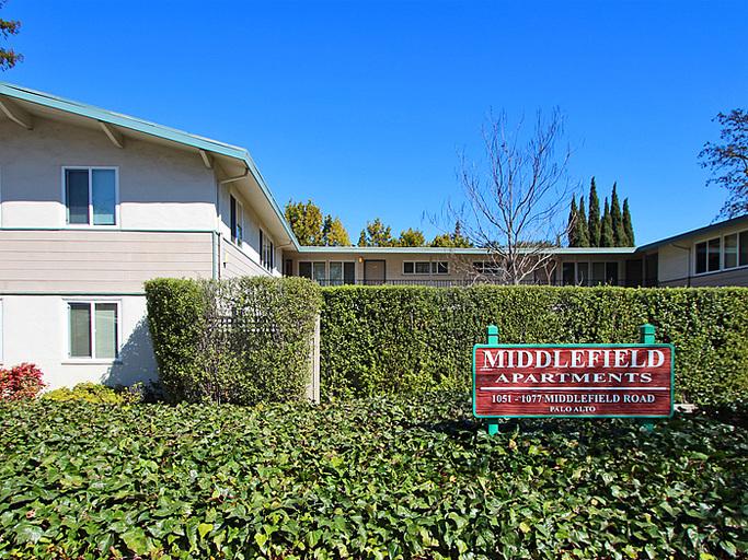 1051 - 1077 Middlefield Road