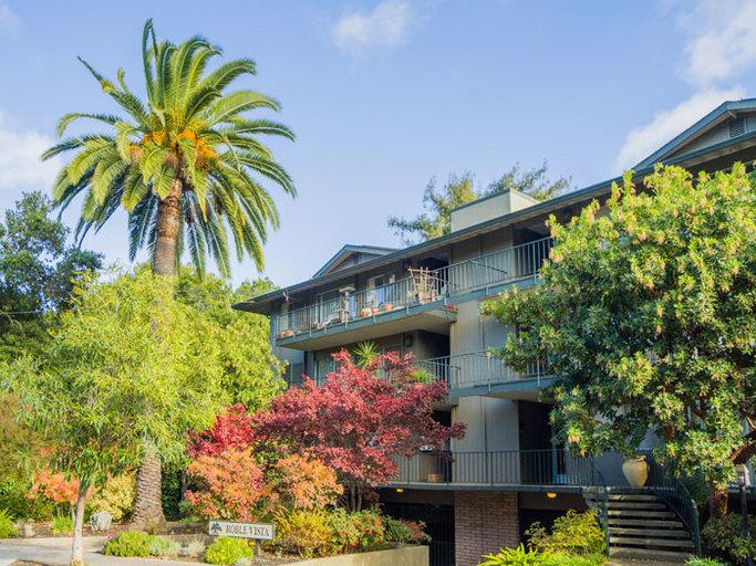220 Palo Alto Avenue