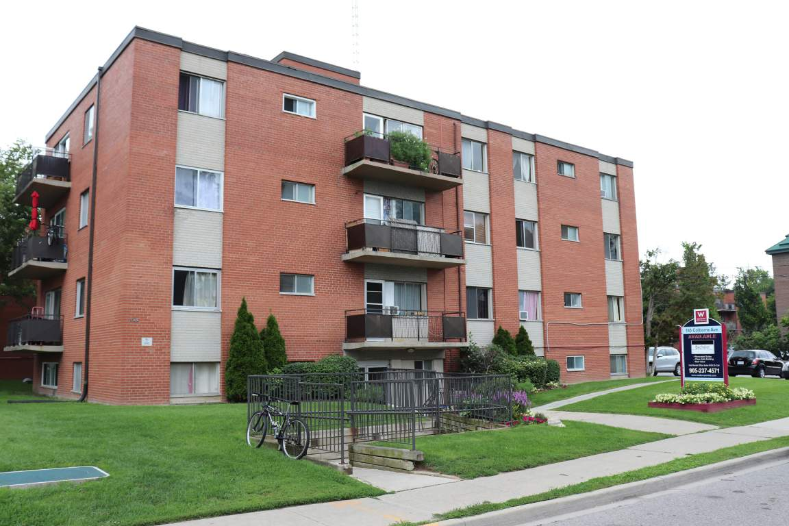 Richmond Hill Apartment for rent, click for more details...