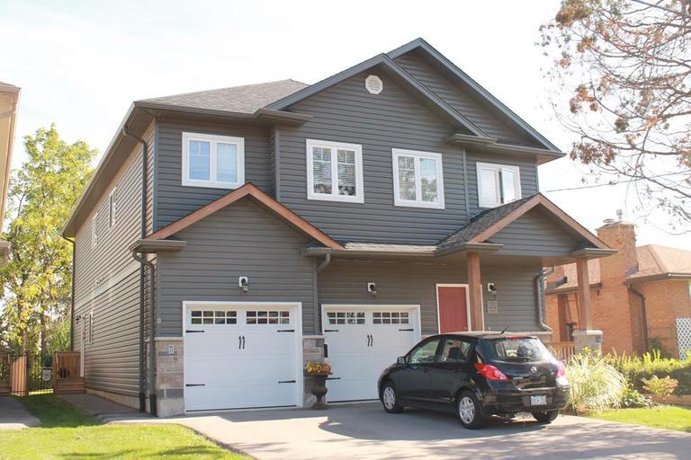 474 Elora St