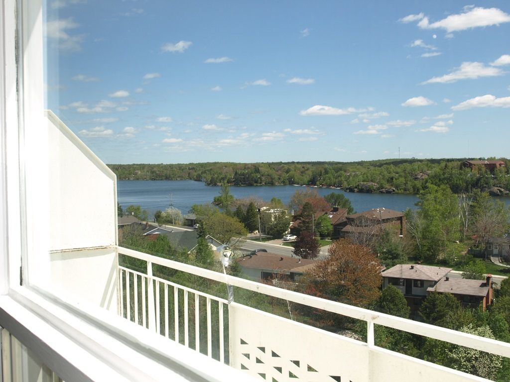 Sudbury Ontario Apartment for rent, click for details...