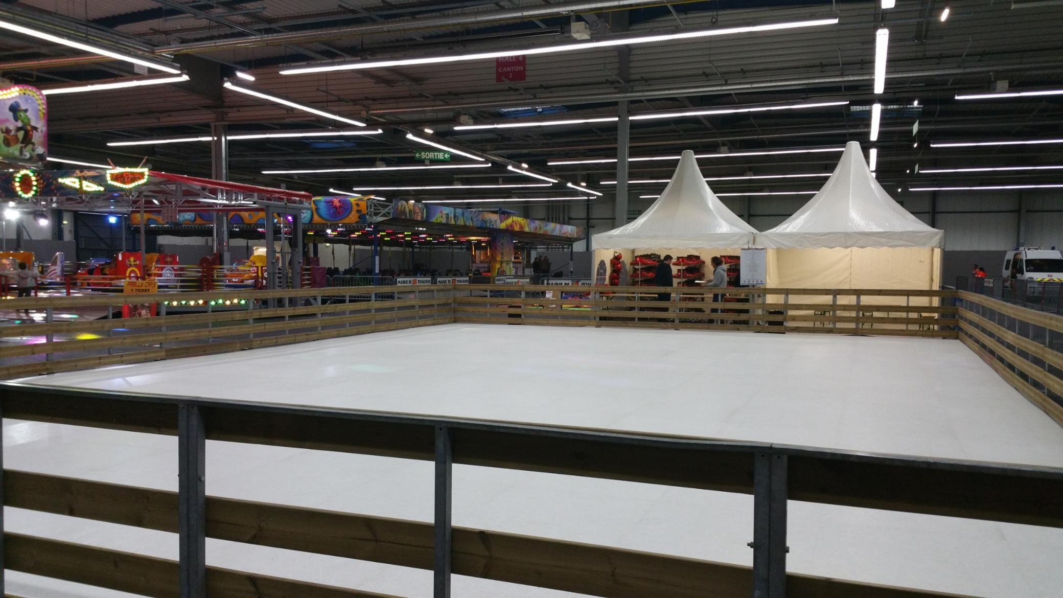 PATINOIRE ICE-TRACK-SHOW Villemade glace patins evenement