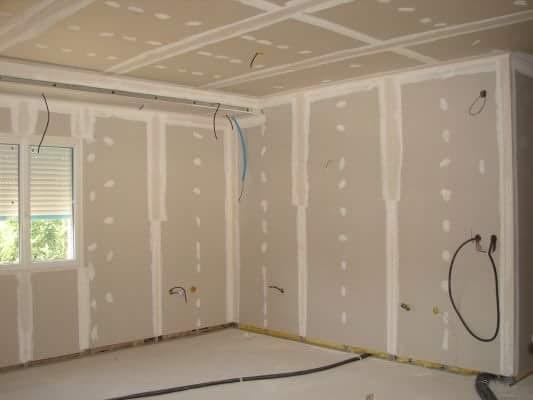 10 Opérateur de démolition Terrassier Conducteur d'engins Installateur sanitaire Couvreur