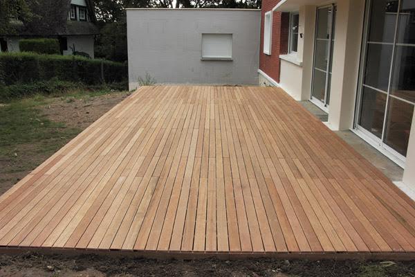 Terrasse bois RIVIERE SAAS ET GOURBY Plombier Peintre en bâtiment Menuisier Electricien