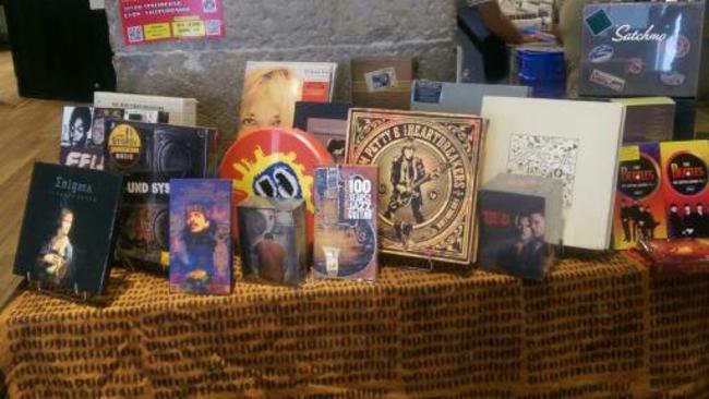 achat-vente CD/DVD/BD/Vinyles MODUSTRESOR achat-vente CD/DVD/BD/Vinyles achat et vente de CD/DVD/VINYLES etc achat-vente CD/DVD/BD/Vinyles