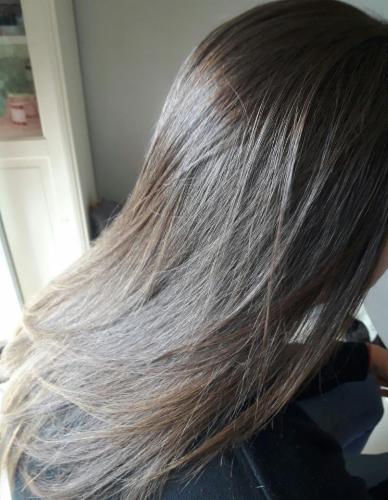 avant et aprés vernis Bresilien produit cosmétique cheveux lissage