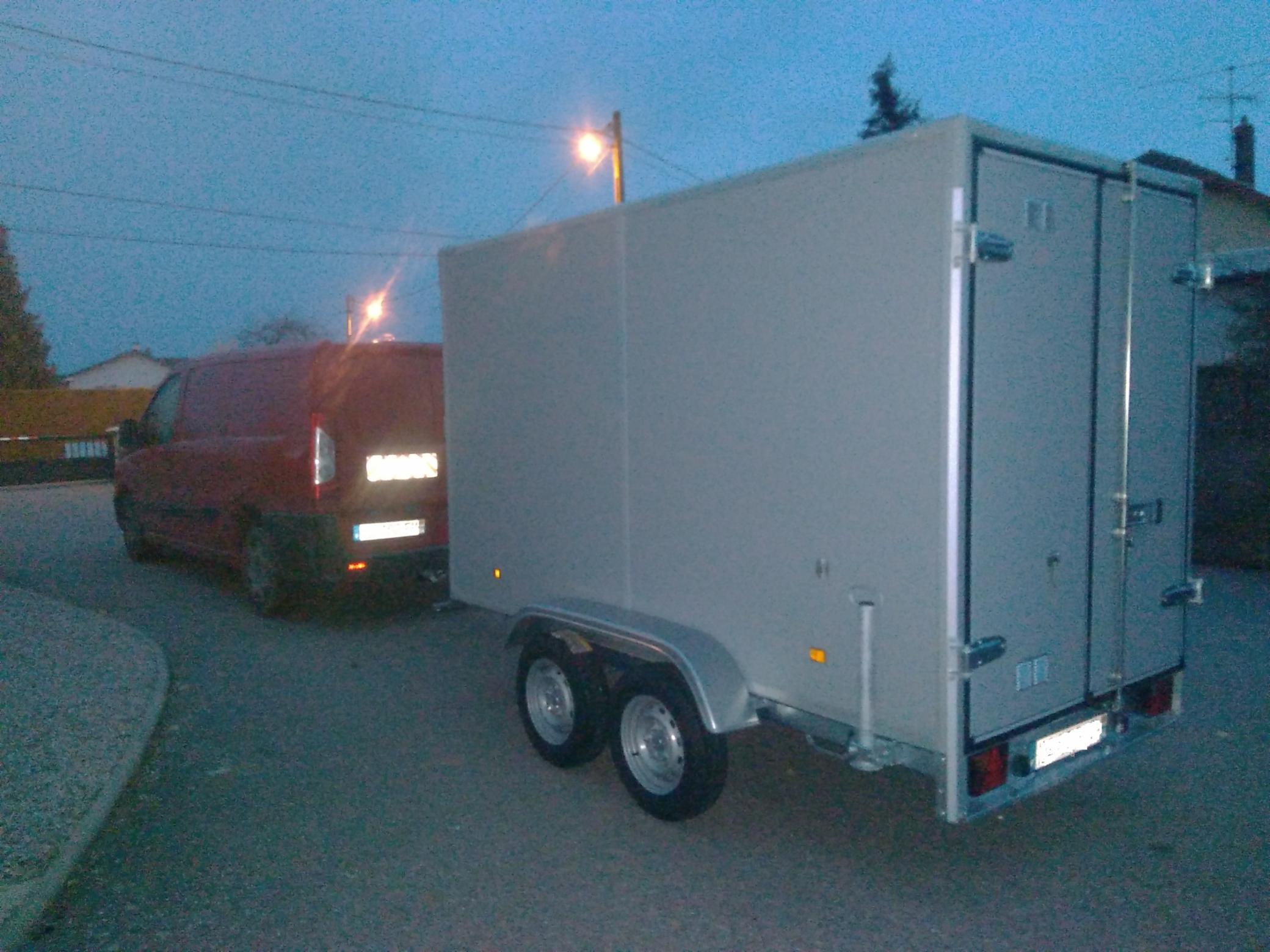 4 Transport de machine Transports rapides Transport d'engins Transports Radioactifs Transports de matières dangereuses.