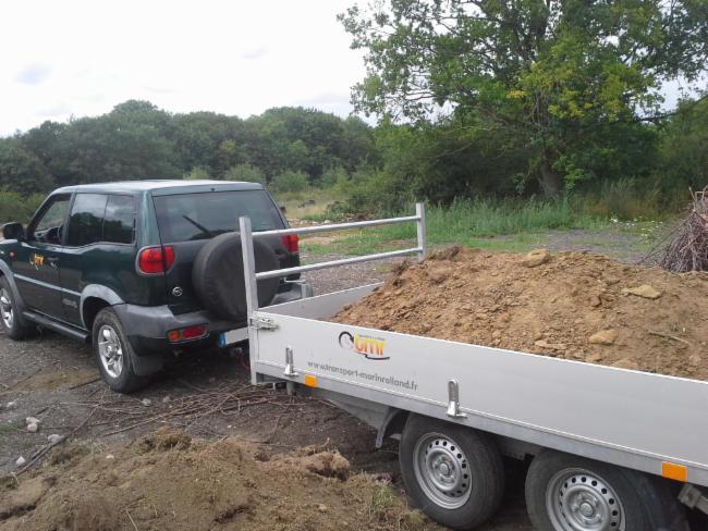 Livraison de terre ou autres Livraison en vrac transports de petits engins petits terrassements