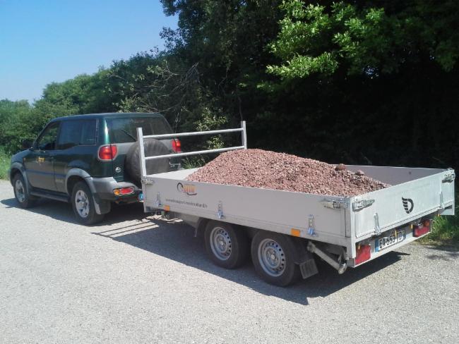 Livraison de concassés Fourgon fermé Livraison en vrac transports de petits engins petits terrassements