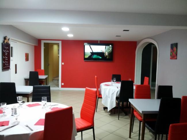 HOTEL RESTAURANT Montbron Restaurant Restauration rapide Brasserie