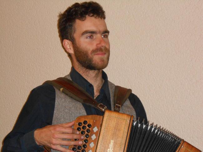 Jean Baptiste Brunel musique en maison de retraite musique pour les seniors bal irlandais