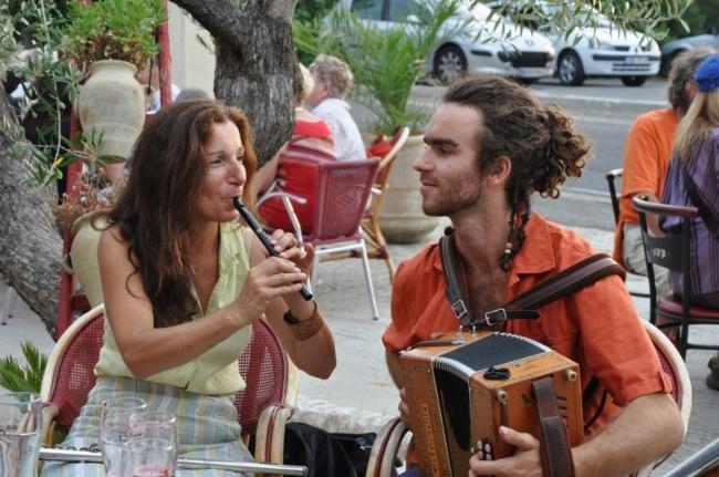 Fabienne et Jean Baptiste instruments à vent animation petite enfance musique en crèche contes en musique